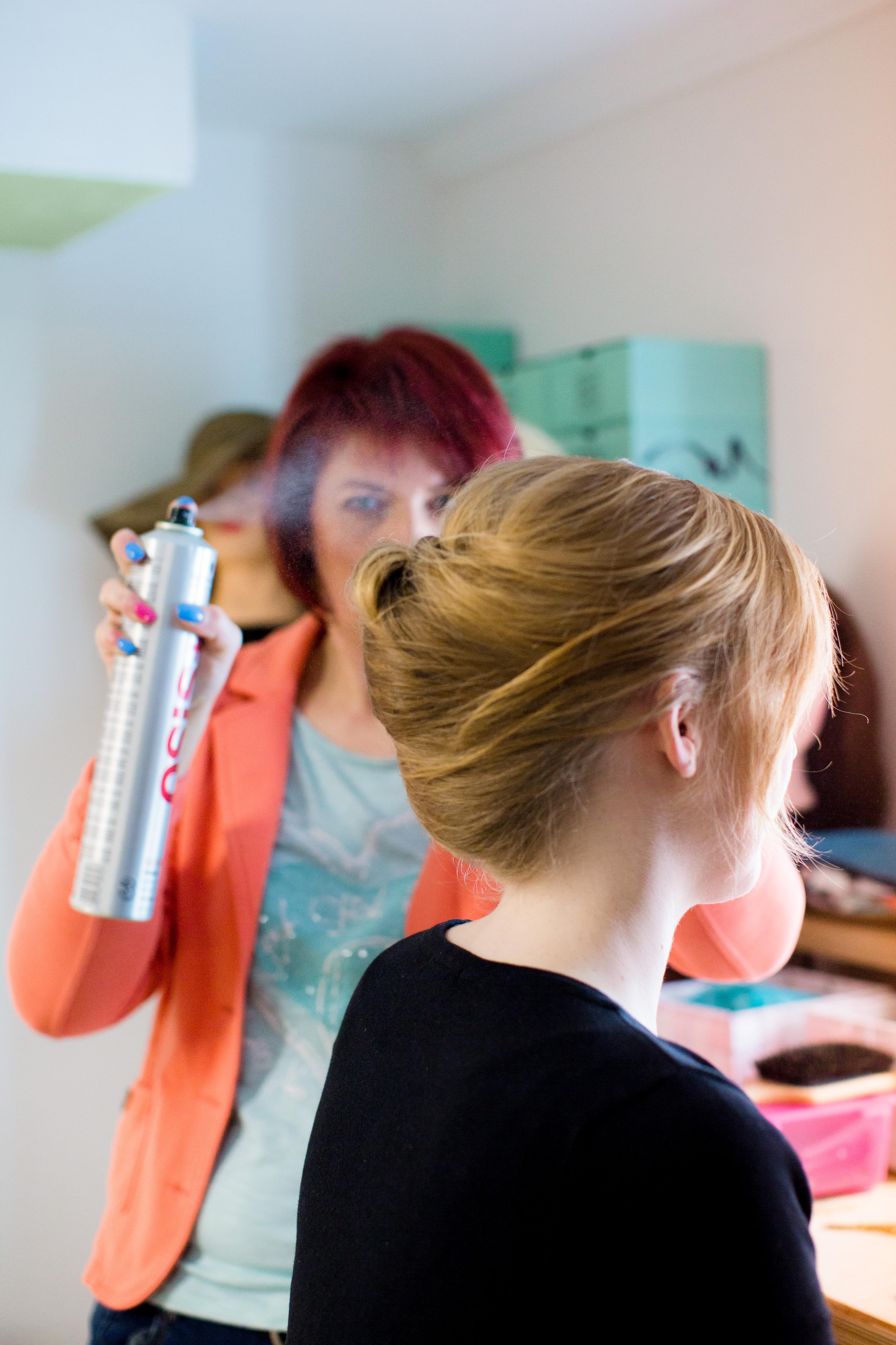 Hairstyling (hier klicken)